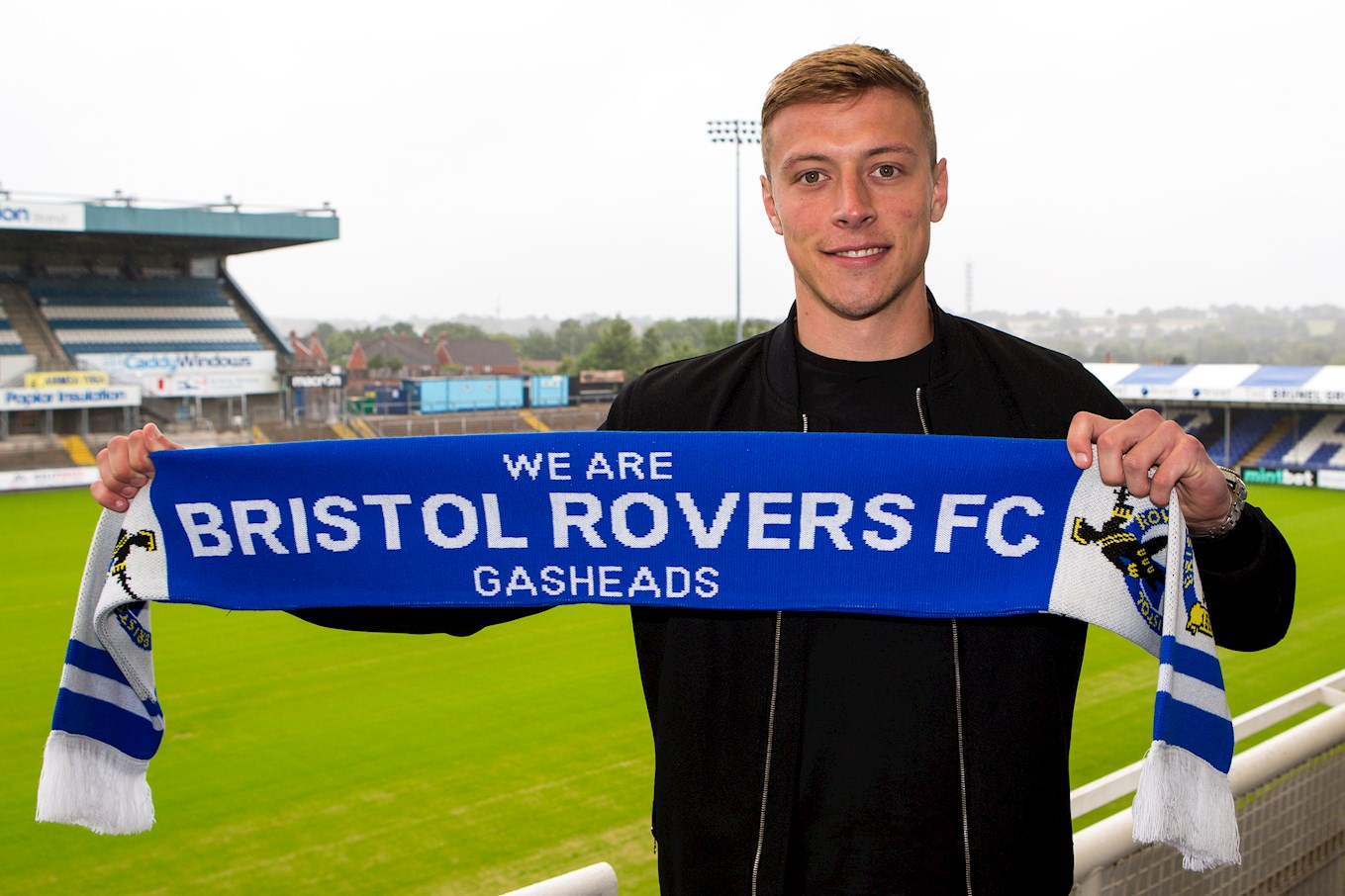 JMP_Tom_Davies_signs_for_Bristol_Rovers_RS_002.JPG